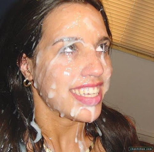 bañada en semen la cara de la jovencita