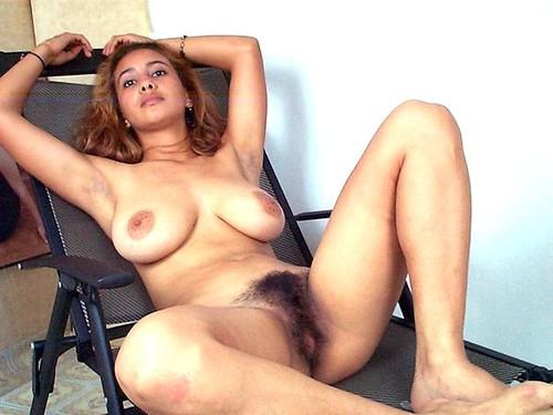 mulata con el coño peludo