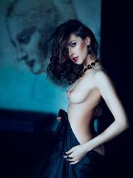 Olga Alberti  nackt