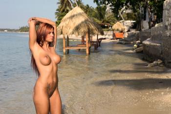 Ashley-Bulgari-Summer-76tjpqg1kd.jpg