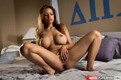 Anikka-Albrite-%26-Yurizan-Beltran-Sisterhood-06p2t01wim.jpg